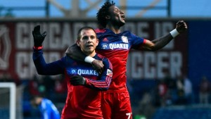 Harry-Shipp-and-Kennedy-Iboananike-celebrate-for-Chicago-Fire-vs.-Montreal